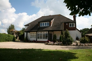 Holiday Cottage Reviews for Aldwick Lodge - Self Catering in Bognor Regis, West Sussex