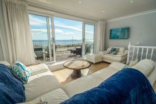 Holiday Cottage Reviews for The Beach House - Self Catering in Pwllheli, Gwynedd