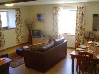 Holiday Cottage Reviews for Byre Cottage - Cottage Holiday in Lochgilphead, Argyll and Bute