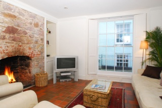 Holiday Cottage Reviews for Blue Monkey - Holiday Cottage in Cawsand, Cornwall inc Scilly