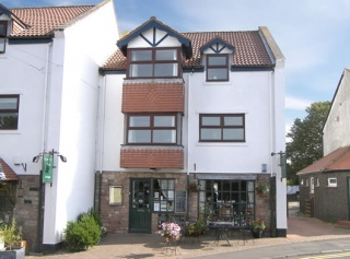 Holiday Cottage Reviews for Blacketts Apartment - Holiday Cottage in Bamburgh, Northumberland
