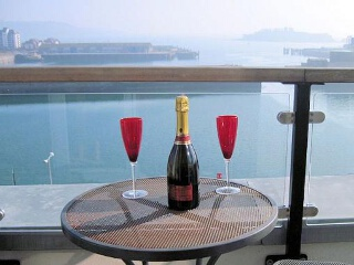 Holiday Cottage Reviews for The Penthouse, Phoenix Quay - Self Catering Property in Plymouth, Devon