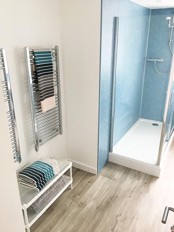 16redwood Main Bathroom Towels