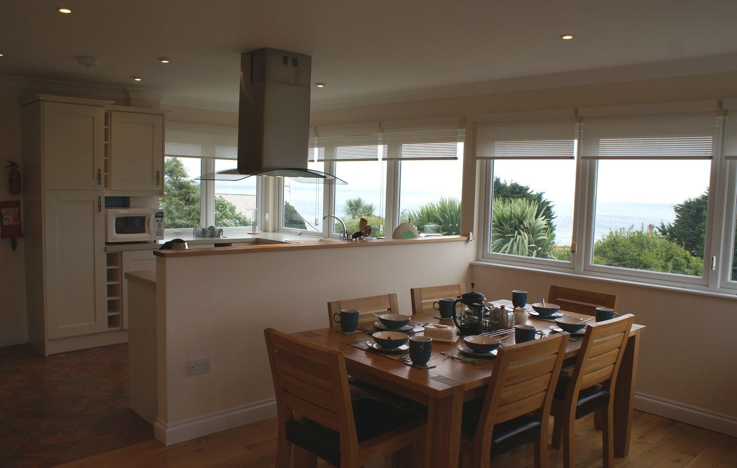 1 Gwelenys Road Dining Area