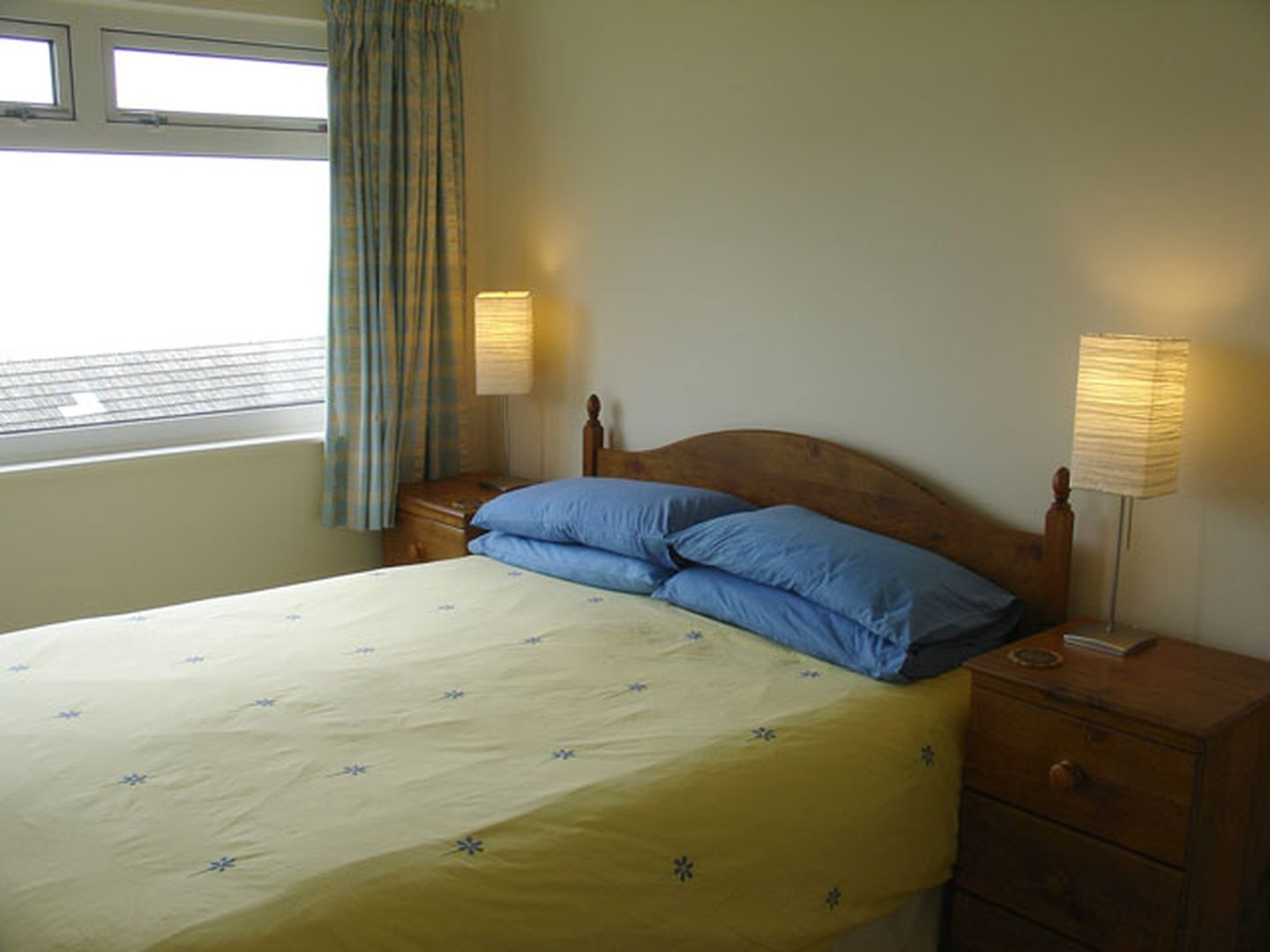 1 Gwelenys Road Double Bedroom