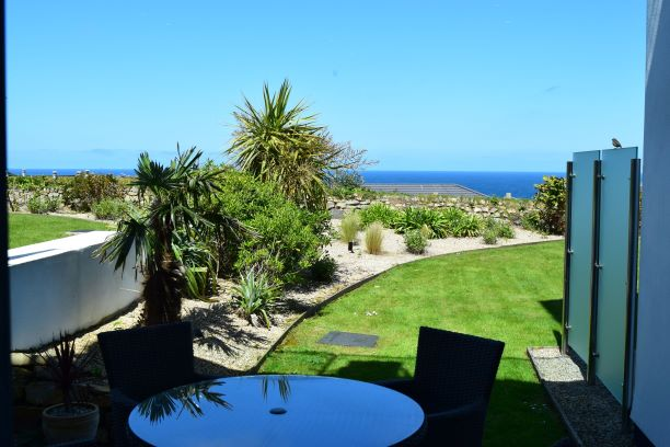 Holiday Cottage Reviews for Sea Shells at The Sands Apartments - Holiday Cottage in St Ives, Cornwall inc Scilly