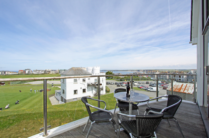 Holiday Cottage Reviews for 52 Bredon Court - Cottage Holiday in Newquay, Cornwall inc Scilly