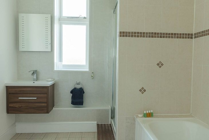 Beacon Cottage Start Point Bathroom