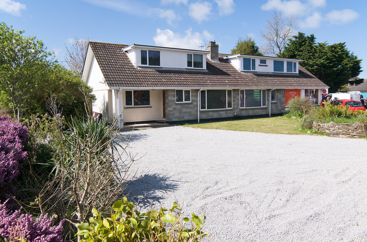 Holiday Cottage Reviews for Bridge House - Holiday Cottage in Perranporth, Cornwall Inc Scilly