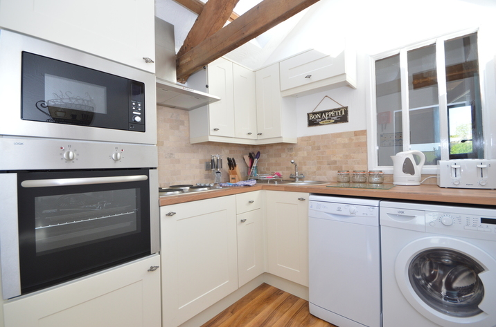 Buzzards View Holiday Cottage In Kingswear5