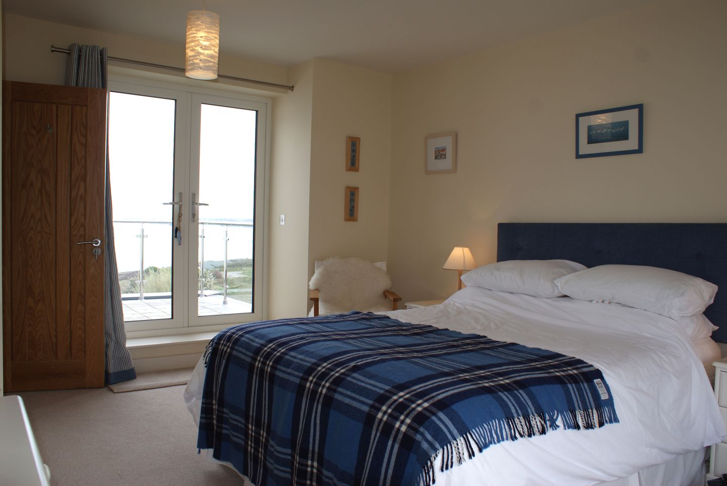 Castle View Port Isaac Double Bedroom With French Doors
