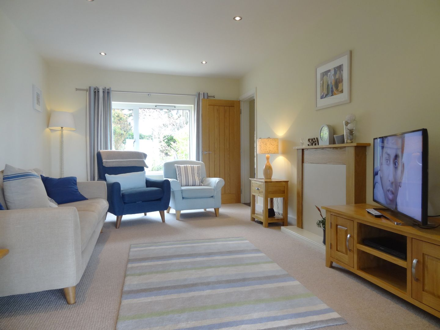 Castle View Port Isaac Living Room With Tv