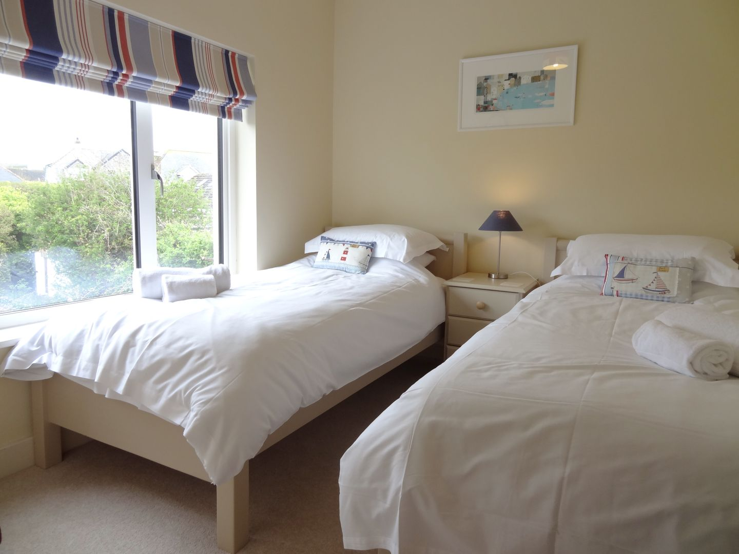 Castle View Port Isaac Twin Beds By Window