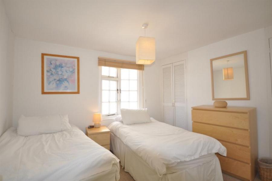 Cove Cottage In Weymouth7