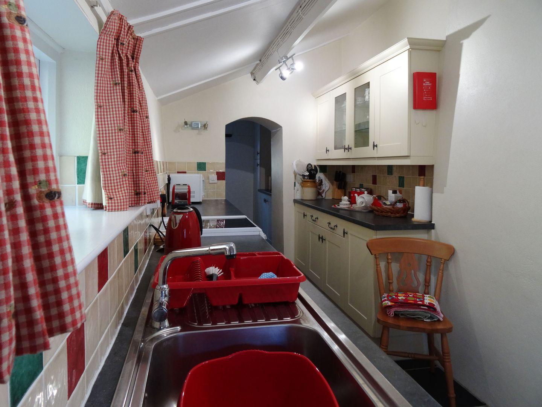 Crookedoak Cottage Holsworthy Kitchen