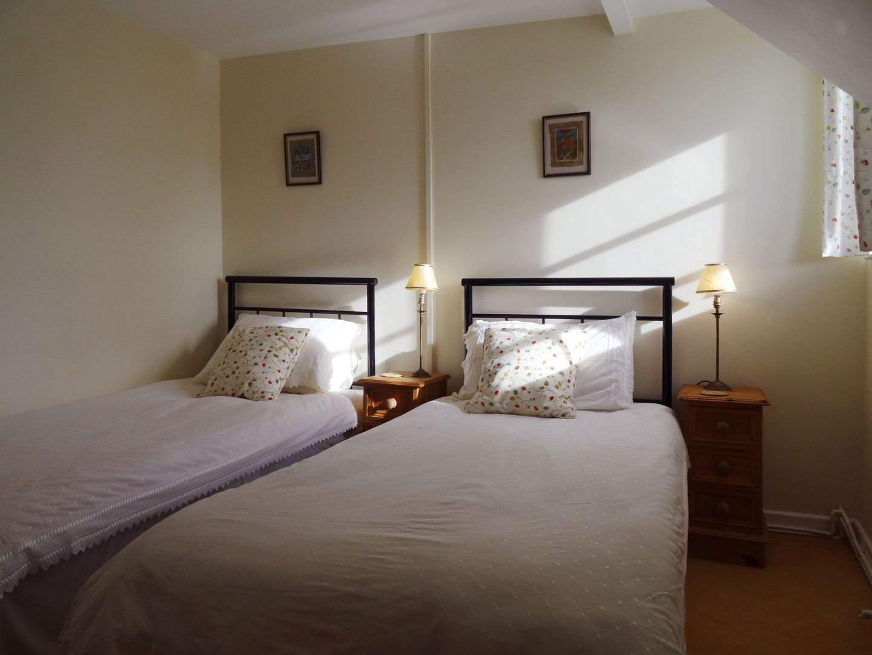 Crookedoak Cottage Holsworthy Twin Bedroom