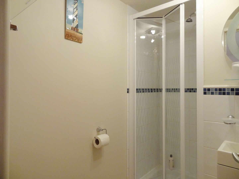 Crosscombe Barn Loddiswell En Suite Shower