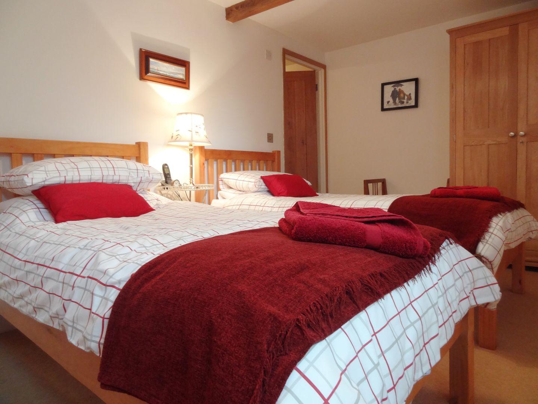 Crosscombe Barn Loddiswell Twin Bedroom