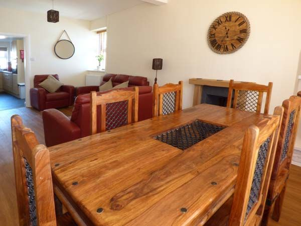 Dingarth Holiday Cottage In Tenby16