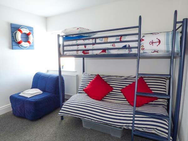 Dingarth Holiday Cottage In Tenby24
