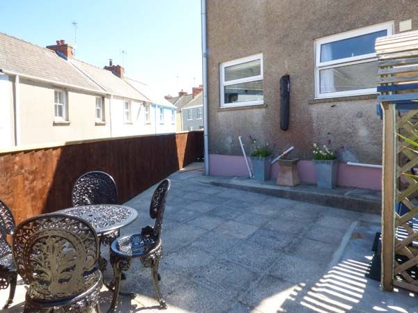 Dingarth Holiday Cottage In Tenby34