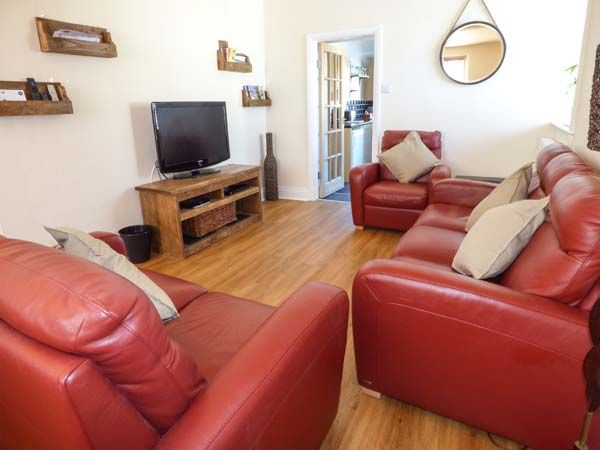 Dingarth Holiday Cottage In Tenby4
