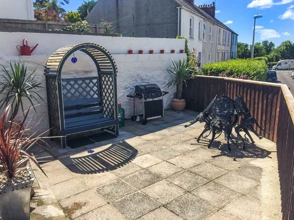 Dingarth Holiday Cottage In Tenby40