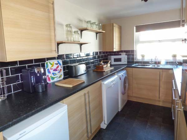 Dingarth Holiday Cottage In Tenby6