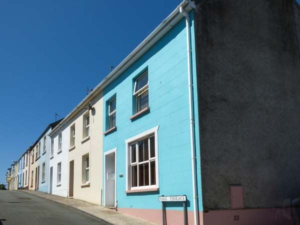 Dingarth Holiday Cottage In Tenby8