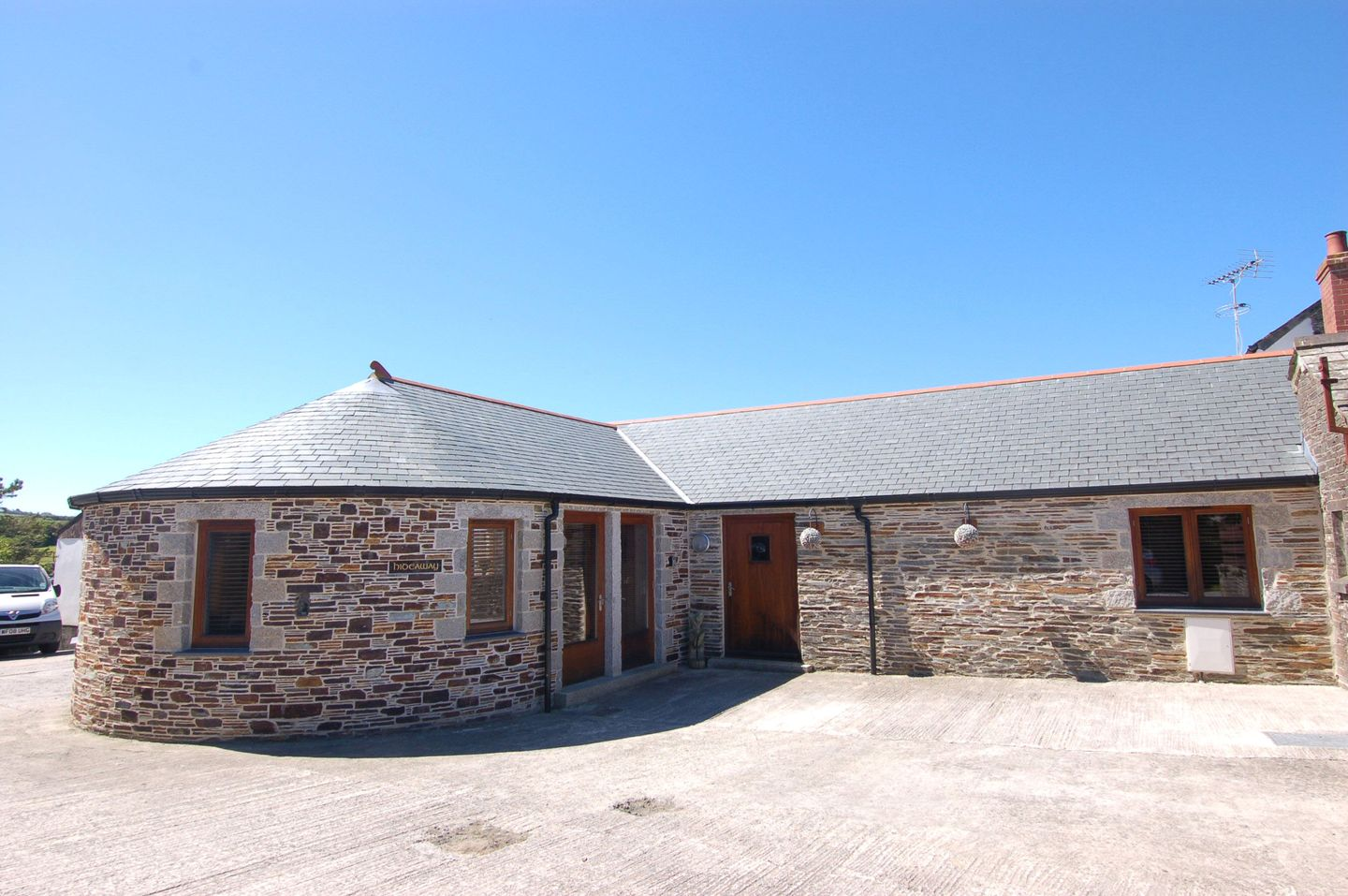Hideaway Bossiney Tintagel Holiday Cottage