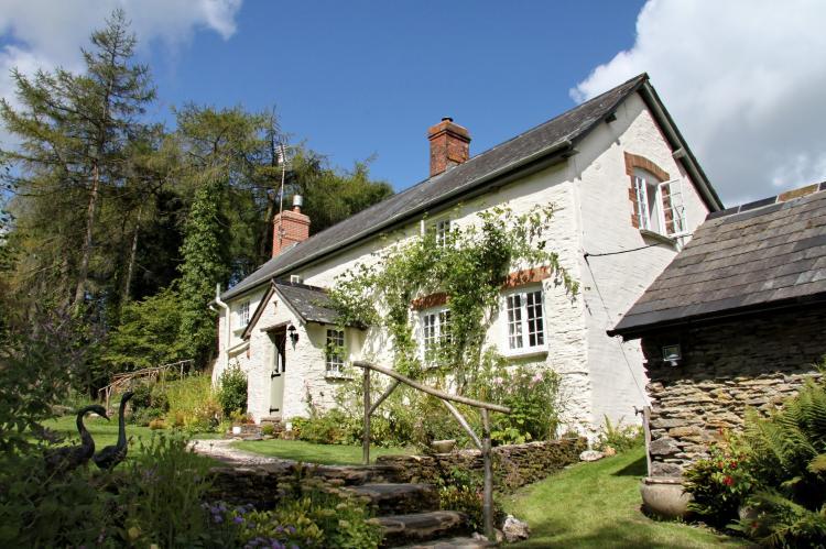 Lower Goosemoor Cottage Wheddon Cross10