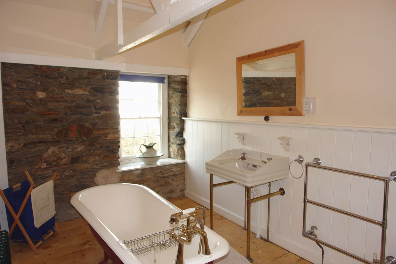 Mermaid Cottage Gorran Haven Bathroom