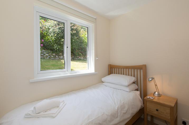 Mordros Carbis Bay Single Bedroom