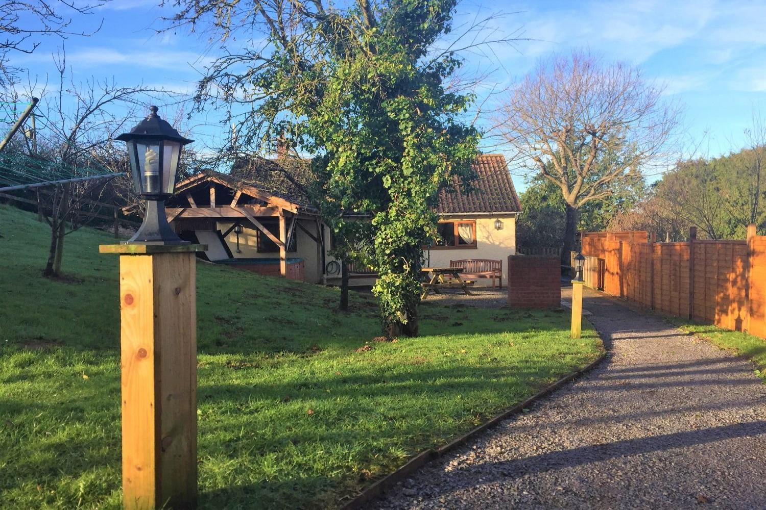 Holiday Cottage Reviews for Orchard Cottage - Cottage Holiday in Watchet, Somerset