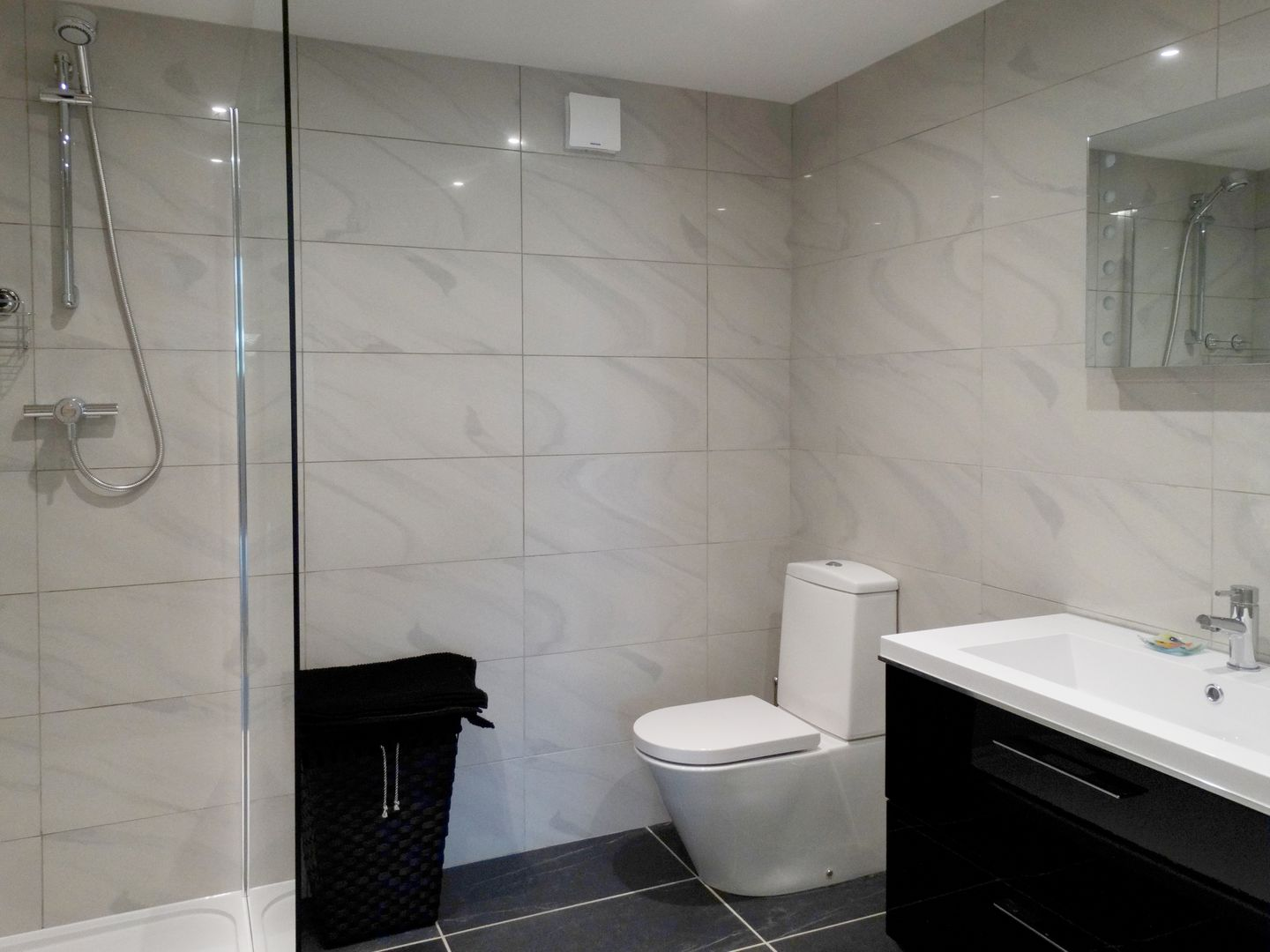 Pippin Charmouth Luxury Bathroom