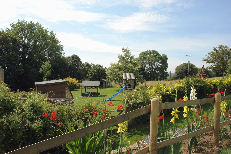 Pond View Gardens Play Area