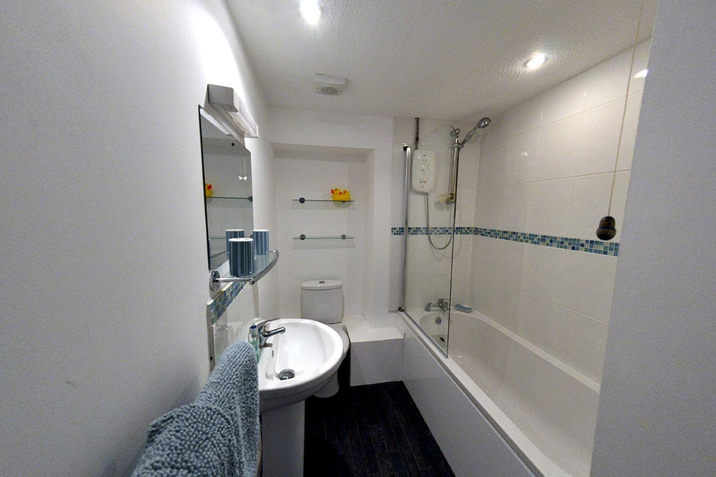 Primrose Cottage Edmonton Bathroom