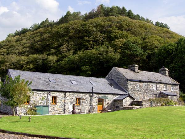 Glasfryn Barn