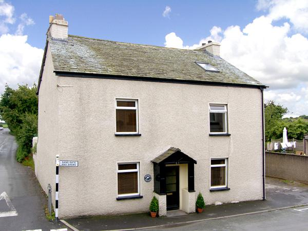 Holiday Cottage Reviews for Dolphin Cottage - Self Catering Property in Flookburgh, Cumbria
