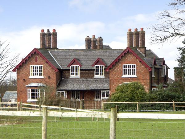 Holiday Cottage Reviews for Dairy Apartment 1 - Holiday Cottage in Tatton Park, Cheshire
