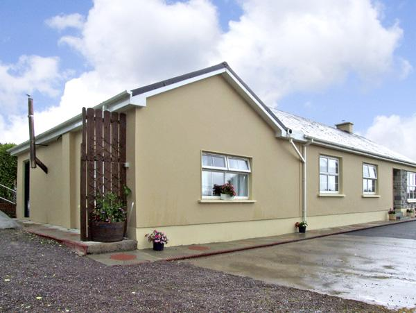 Holiday Cottage Reviews for Eagle's Crest Cottage - Cottage Holiday in Killorglin, Kerry