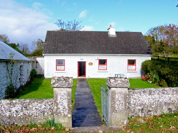 Holiday Cottage Reviews for Mickey's Cottage - Self Catering in Kinvara, Galway