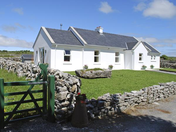 Holiday Cottage Reviews for Dolmen Cottage - Self Catering in Kilfenora, Clare