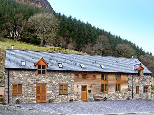 Holiday Cottage Reviews for Y Sgubor - Self Catering in Llangynog, Powys