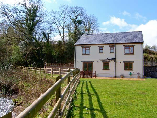 Holiday Cottage Reviews for Cennen Lodge - Self Catering in Llandeilo, Carmarthenshire