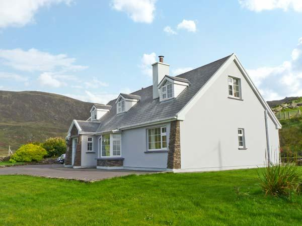 Holiday Cottage Reviews for Carraig Oisin - Cottage Holiday in Waterville, Kerry