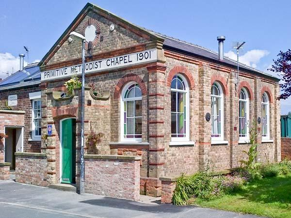 Holiday Cottage Reviews for The New Chapel - Cottage Holiday in Hornsea, east yorkshire