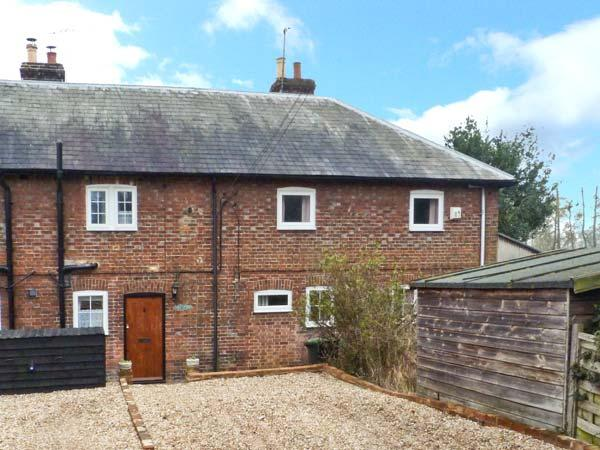 Holiday Cottage Reviews for 3 Apsley Cottages - Self Catering in Canterbury, Kent