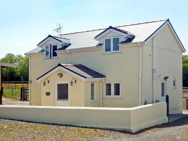 Holiday Cottage Reviews for Saddler's Cottage - Holiday Cottage in Clunderwen, Carmarthenshire