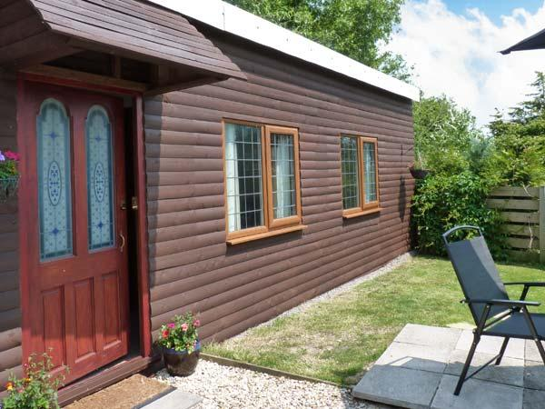 Holiday Cottage Reviews for Wisteria Chalet - Holiday Cottage in Burnham On Sea, Somerset